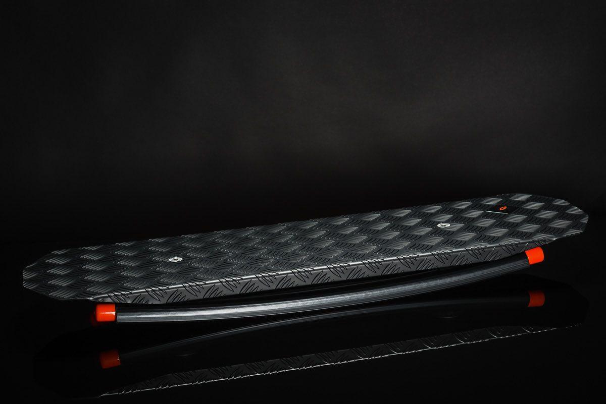 Trabbic Noir balansebrett - ståbrett til hev senk bord
